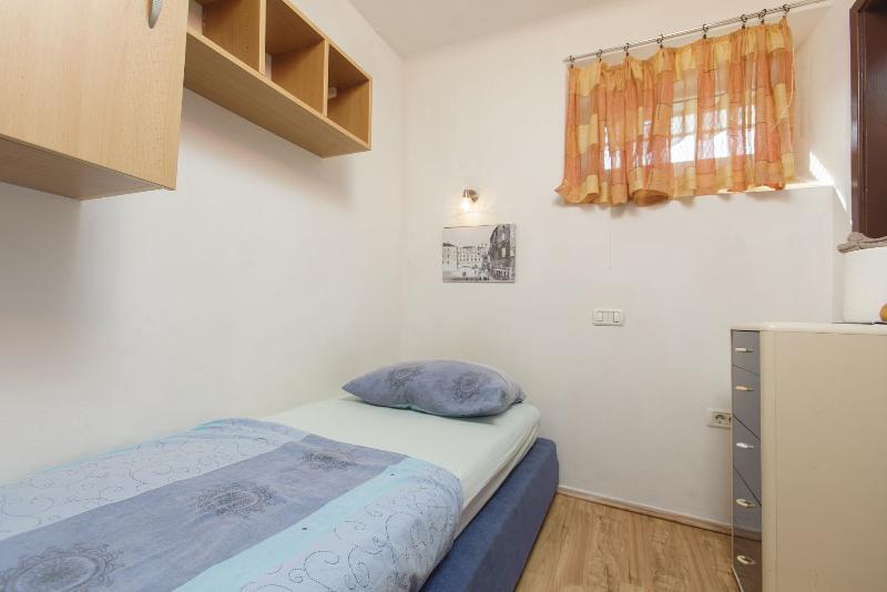 SA2(2+1): interior - 2250  SA2(2+1) - Split - Split - rentals
