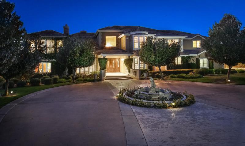 Wine Country Luxury/Elegance/Gated/Vineyards!! - Image 1 - Temecula - rentals