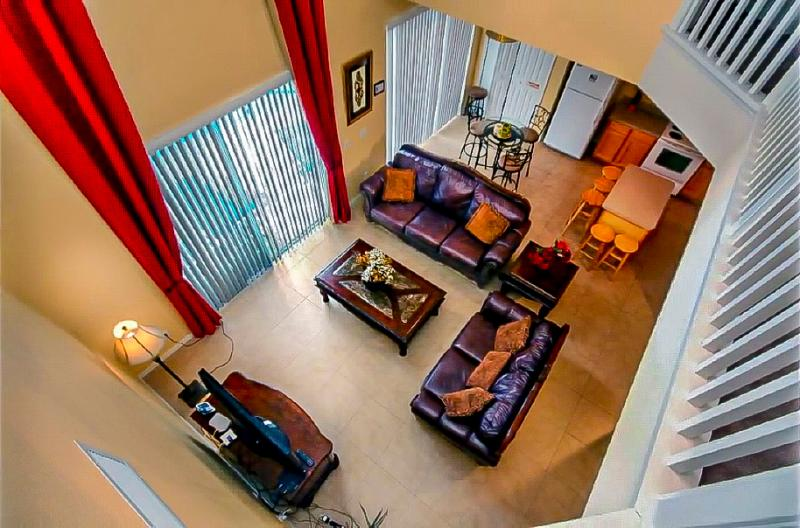2 story family room and breakfast area - 8 BR Villa, Pool/Spa, Water View, Close to Disney - Kissimmee - rentals
