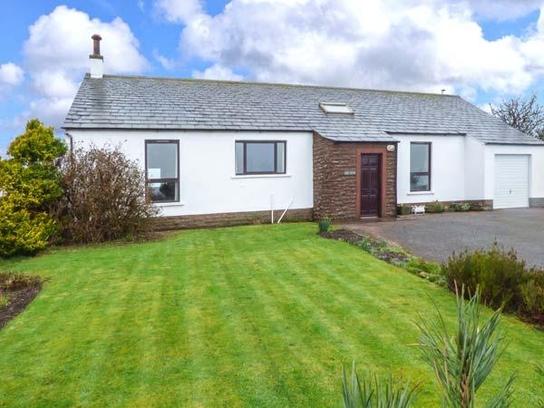 WEST CROFT, single-storey, pet-friendly, WiFi, off road parking, lawned area, in Silloth, Ref 921110 - Image 1 - Allonby - rentals