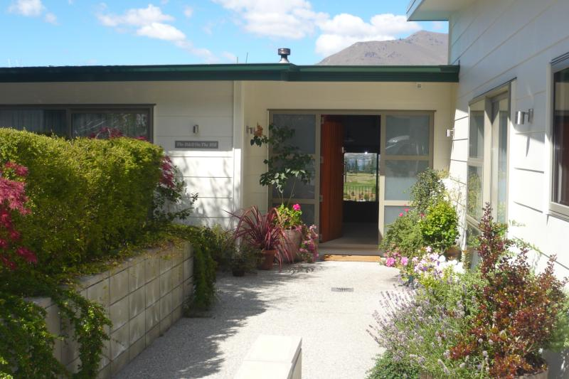 The front entrance of the B & B - The B & B on the Hill, The Flat, Queenstown - Queenstown - rentals