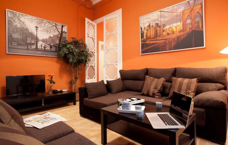 Spacious living area to relax! - SANTA MARIA apt, Borne Quarter! Up to 10! - Barcelona - rentals