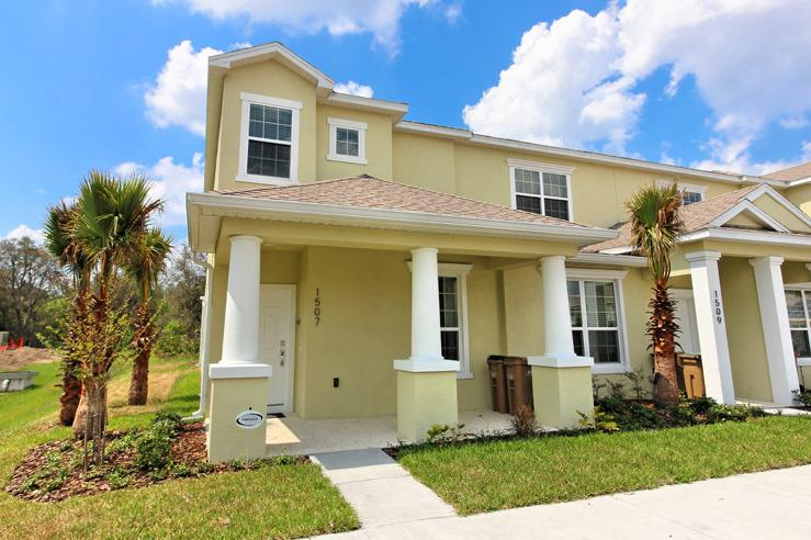 Front of Home - 3 Bed 3 Bath Pool Home + Clubhouse (1507-SEREN) - Orlando - rentals