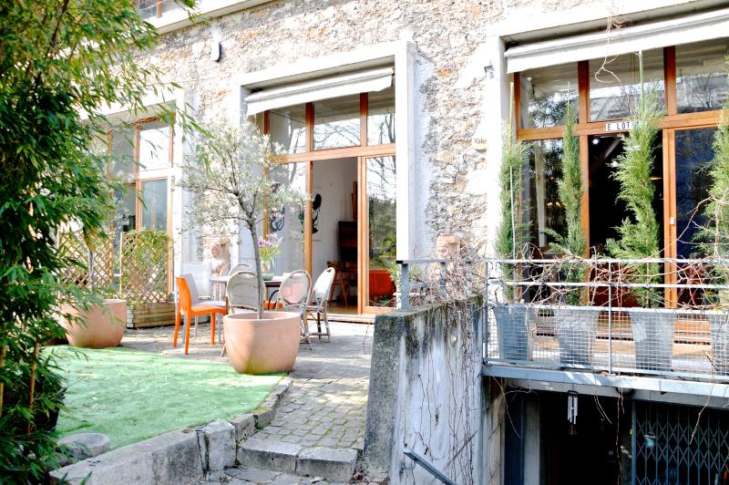 Entrance - HugeLoft w Garden,Parking, sleeps 6-12, 3 bed 3ba - Paris - rentals