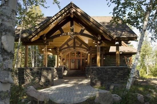 Eagle Point: Elite Wilderness Log Home with Welcoming Porte Cochere and Grand Views of the Lake! - Image 1 - Ely - rentals