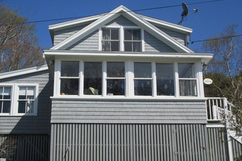THE HAVEN | EAST BOOTHBAY | OCEAN VIEWS | OCEAN BREEZES | PET-FRIENDLY | CLASSIC MAINE COTTAGE | ENCLOSED SUNROOM & OPEN PORCH WITH SPECTACULAR VIEWS | MINUTES FROM BOOTHBAY HARBOR - Image 1 - Boothbay - rentals