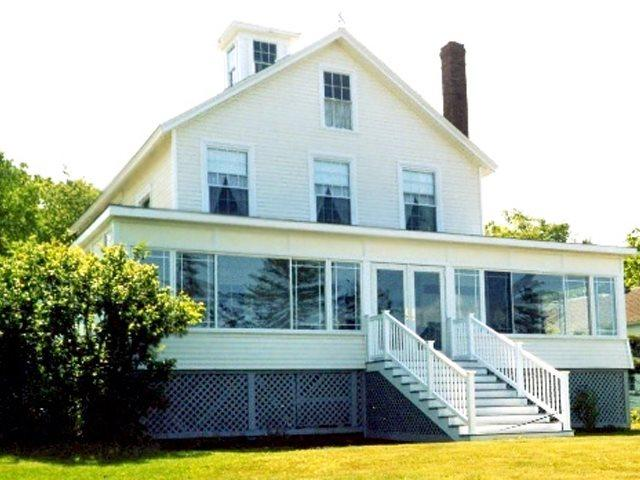 110 year old Villa.  Old bones but very contemporary heart. - THE VILLA | EAST BOOTHBAY, MAINE | OCEAN VIEWS | LINEKIN BAY | ROMANTIC GETAWAY | FAMILY VACATION | OCEAN POINT COLONY TRUST - East Boothbay - rentals