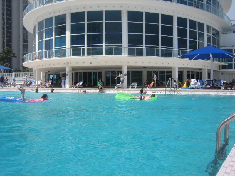 Swimming Pool - Beach/ Studio- Pool/ Parking - Miami Beach - rentals