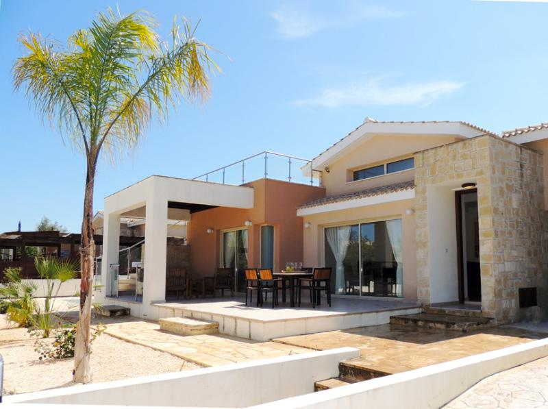 Thalassa Villa 4 - Image 1 - Latchi - rentals