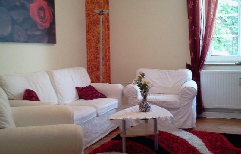 Living Room (1) - Vacation Apartment in Munich - 99760 sqft, bright, comfortable (# 4727) - Munich - rentals