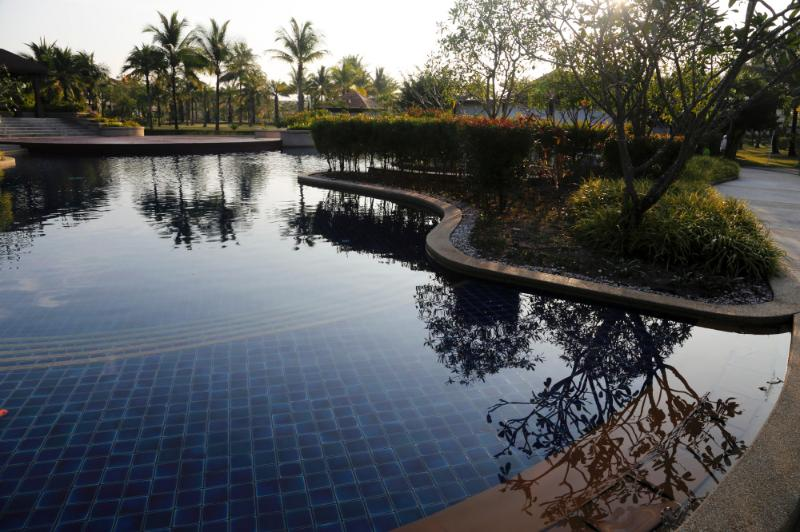 pool at doorstep with in pool jacuzzi - Luxurious 2BR, 3BATH, large bright Poolside Villa - Bang Tao Beach - rentals