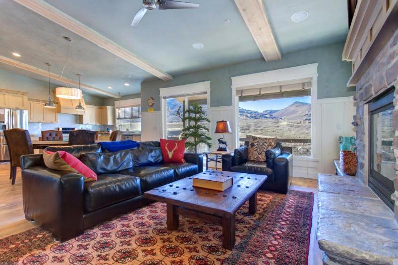 Luxury home w/ private hot tub & mountain views - close to skiing at Deer Valley - Image 1 - Park City - rentals