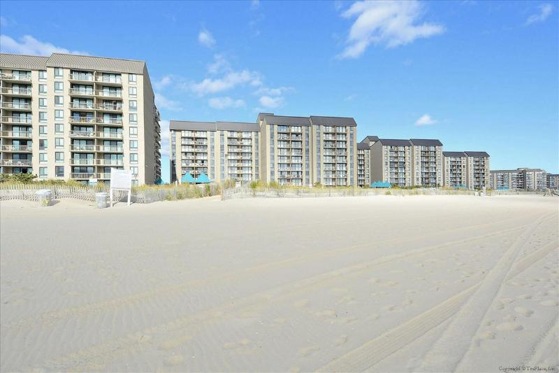 Sea Colony E, 206 Island House - Image 1 - Bethany Beach - rentals