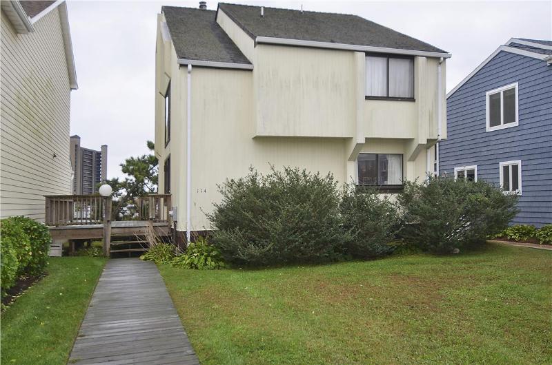Robertson, 114 Cedarwood St - Image 1 - Bethany Beach - rentals