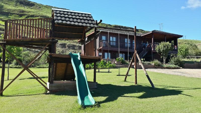 Bergview house and garden - perfect space for children and pets to run and have fun! - Bergview Underberg Southern Drakensberg SA - Underberg - rentals