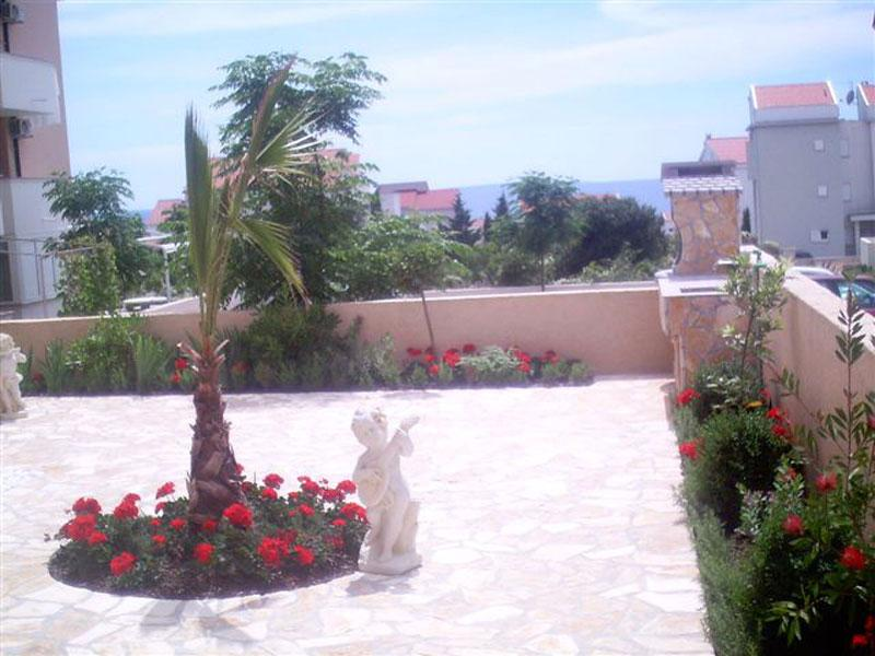 Lovely apartment Bety 2 for 5 persons with WiFi next to the beach in Novalja - Image 1 - Novalja - rentals