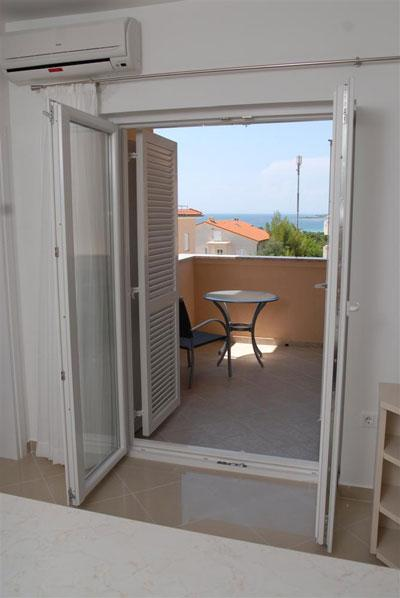 Bright and exquisite apartment Bety 5 for 5 persons in Novalja - Image 1 - Novalja - rentals