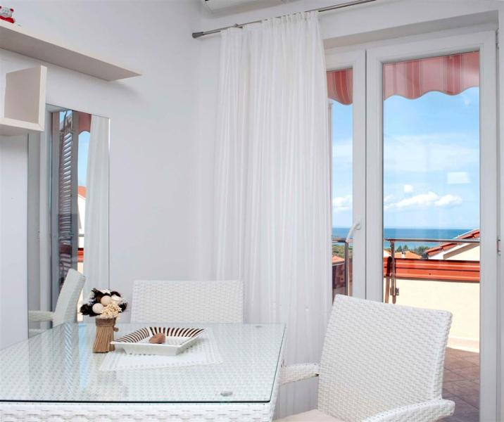 Charming apartment  Bety 10 for 3 pax with sea view in Novaljav - Image 1 - Novalja - rentals