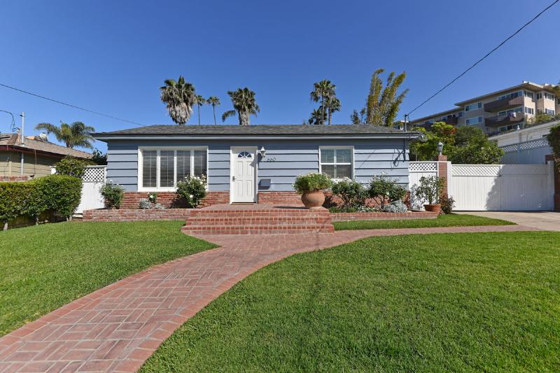 Seashore Family Home with jacuzzi - Image 1 - Pacific Beach - rentals