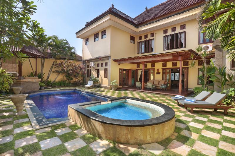 Villa Erama -Luxury close to the action, sleeps11+ - Image 1 - Seminyak - rentals