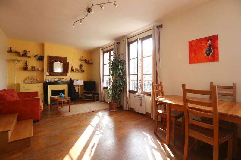 Living area - 7f0c6eb6-e56d-11e1-8322-001ec9b3fb10 - World - rentals