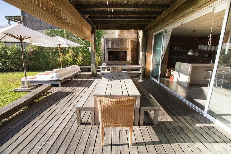 Rustic Chic 5 Bedroom Home in Jose Ignacio - Image 1 - Jose Ignacio - rentals