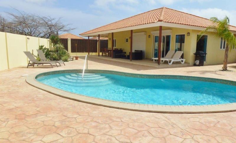 Modanza Villa - Image 1 - Aruba - rentals