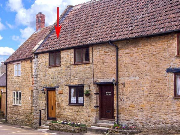 BRAMBLE NOOK, 15th century terraced cottage, inglenook fireplace, WiFi, good walking base, in Haselbury Plucknett, Ref 914790 - Image 1 - Haselbury Plucknett - rentals