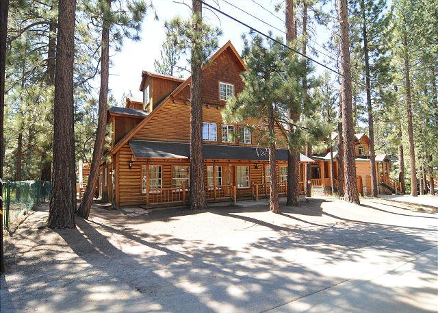 No. 29 Chalet Summit 9 Bedroom - Image 1 - Big Bear Area - rentals