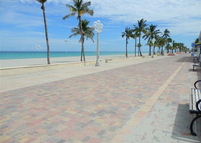 Broadwalk Lee St. - New 1/1 Condo Ocean View Walk to Beach sleeps 4 - Fort Lauderdale - rentals
