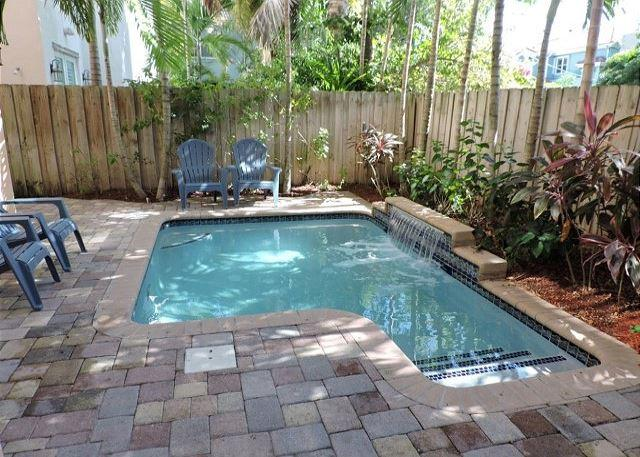 Chic Las Olas Tuscany Dream House Pool Walk to Nightlife, 3/3.5 for 10 guests - Image 1 - Fort Lauderdale - rentals