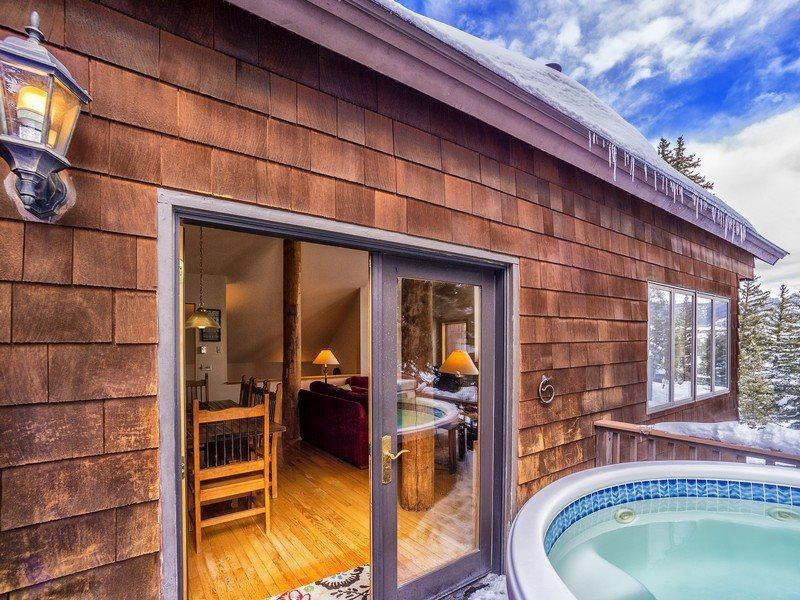 Private outdoor hot tub with mountain views - Cool Ridge Town Home at Summerwood - Private hot tub with amazing mountain views! - Dillon - rentals