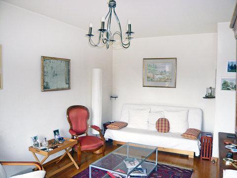 1 rue Houdon ~ RA24568 - Image 1 - 18th Arrondissement Butte-Montmartre - rentals