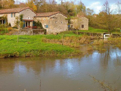 Moulin De Moix ~ RA25237 - Image 1 - Civray - rentals