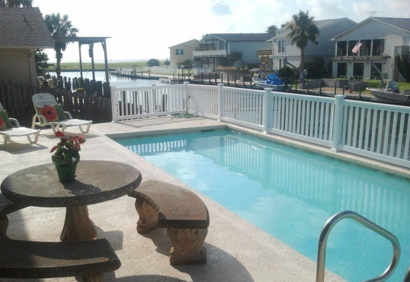 View of the pool and Aransas bay from coastal confessions - Coastal Confessions - Rockport - rentals