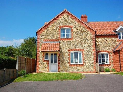Pebble Cottage ~ RA29802 - Image 1 - Fakenham - rentals
