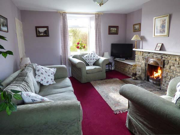 AMMONITE COTTAGE, open fire, minutes from the Cleveland Way, enclosed garden, pet-friendly cottage in Port Mulgrave, Ref. 922715 - Image 1 - Port Mulgrave - rentals