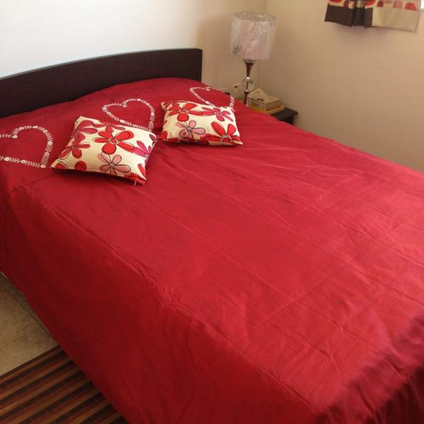 Double bed in airconditioned bedroom with sea view. - Sunny apartment 2 steps from Mellieha sandy beach - Mellieha - rentals