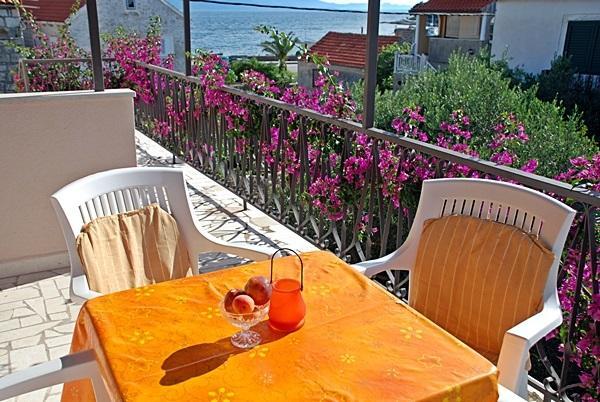 Apartments Mladen, Hvar, Sucuraj - Image 1 - Sucuraj - rentals