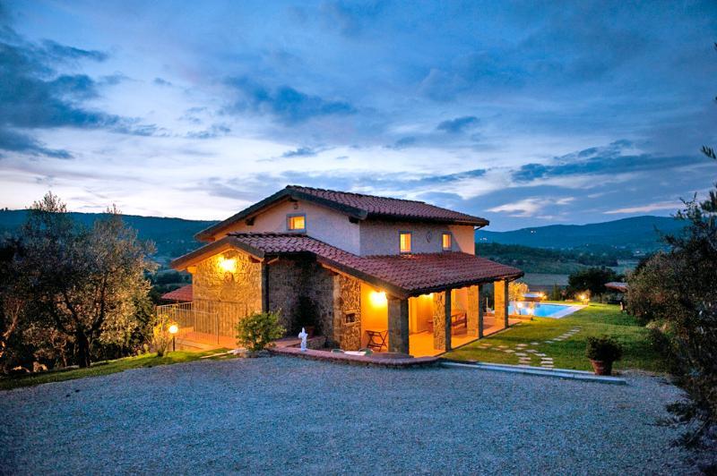 Villa Mera - Image 1 - Torricella di Monte San Savino - rentals