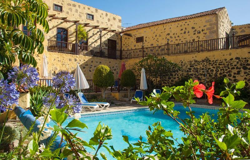 Pool view towards Jasmine cottage. - Self Catering,  Jasmine Cottage,  Tenerife. - San Miguel de Abona - rentals