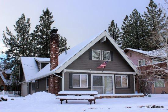 Winter on Big Bear Lake - Lagunita Lakefront:Beautiful Lakefront with Amazing Views and Seasonal Dock! - City of Big Bear Lake - rentals