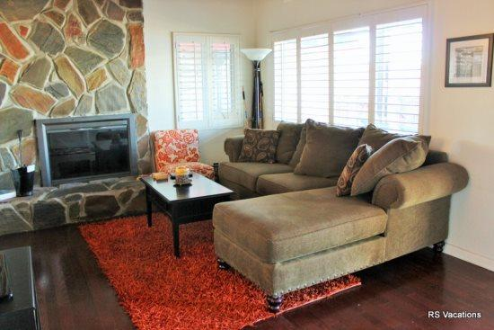 Comfortable, Updated Living Room - Modern Lakefront A:Updated Lakefront Cabin - City of Big Bear Lake - rentals