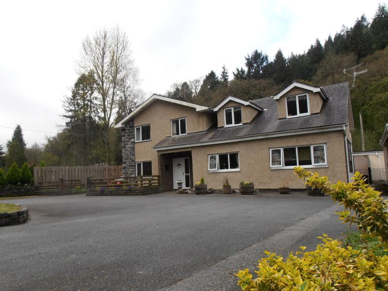 Acorns  Bed and Breakfast Suite - Image 1 - Betws-y-Coed - rentals