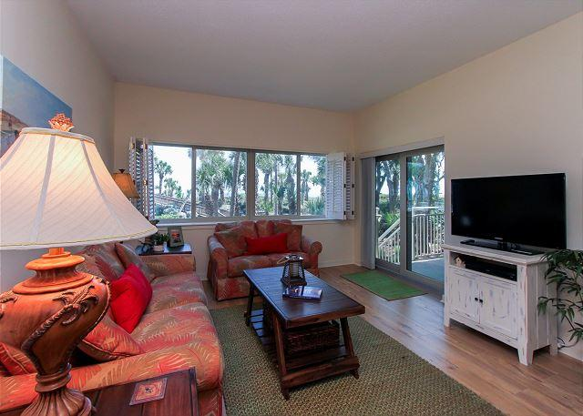 Living Area - 433 Captains Walk-Oceanfront, walk right from your patio to the pool & ocean. - Daufuskie Island - rentals