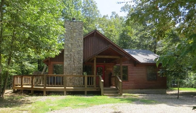 Whisperwind Cabin - summertime view -all is green. - Whisperwind Cabin-2 bedroom-2 bath! WiFi! Hot Tub! - Broken Bow - rentals
