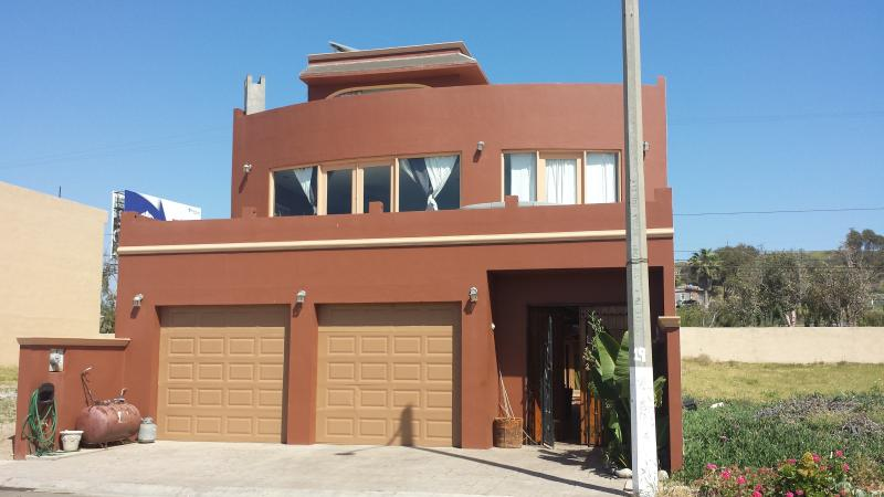 Large 3 bedroom home with 3 sundecks all with ocean views steps to the water - Mex Beach house/and excursions - Rosarito - rentals
