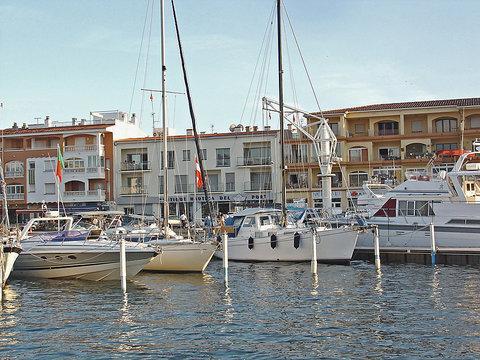 Apartaments del Port ~ RA20326 - Image 1 - Empuriabrava - rentals