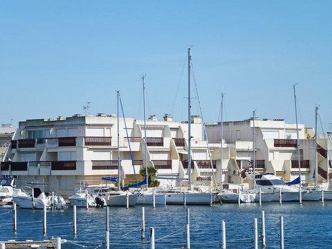 Les Baronnets ~ RA26327 - Image 1 - Port Camargue - rentals
