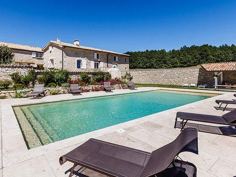 Aubignane La Ferme d'Estafinette,Superb 3 Bedroom with Pool and Terrace - Image 1 - Banon - rentals